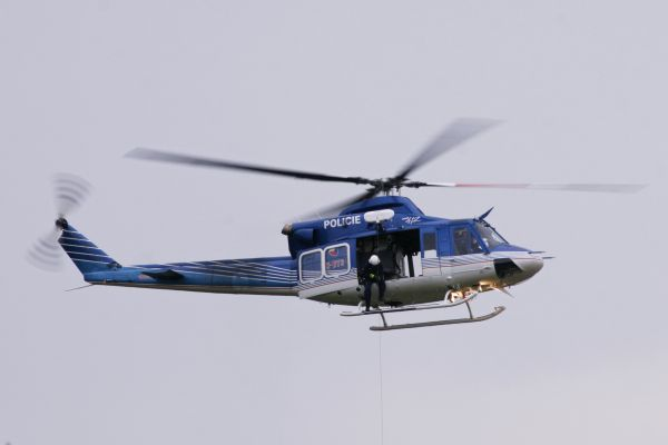 vrtulnik0AA0F9C4-D0E4-9456-DE1F-131A25173358.jpg